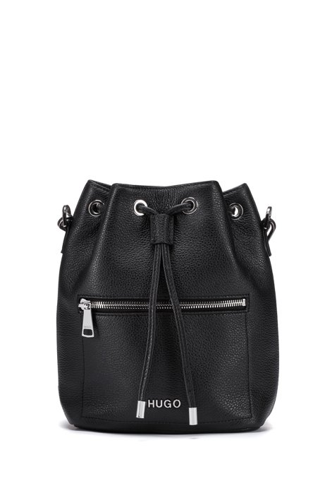 Drawstring bucket bag in Italian grained leather, Black