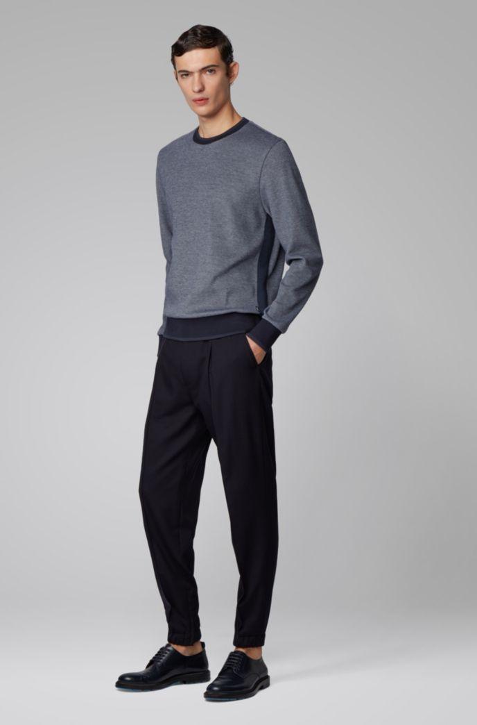 Zweifarbiger Pullover mit glänzender Paspel