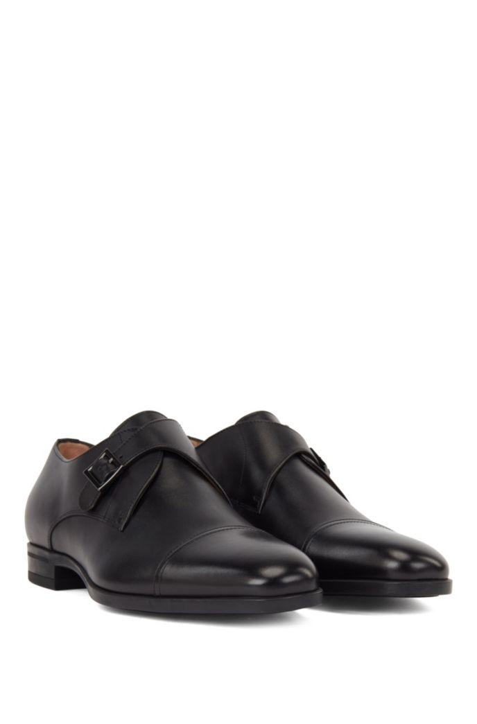 Chaussures à boucle et bout rapporté en cuir au tannage végétal