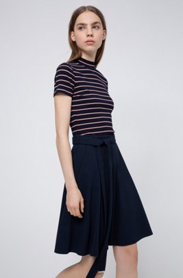 A-line belted skirt in micro-bubble crepe, ダークブルー