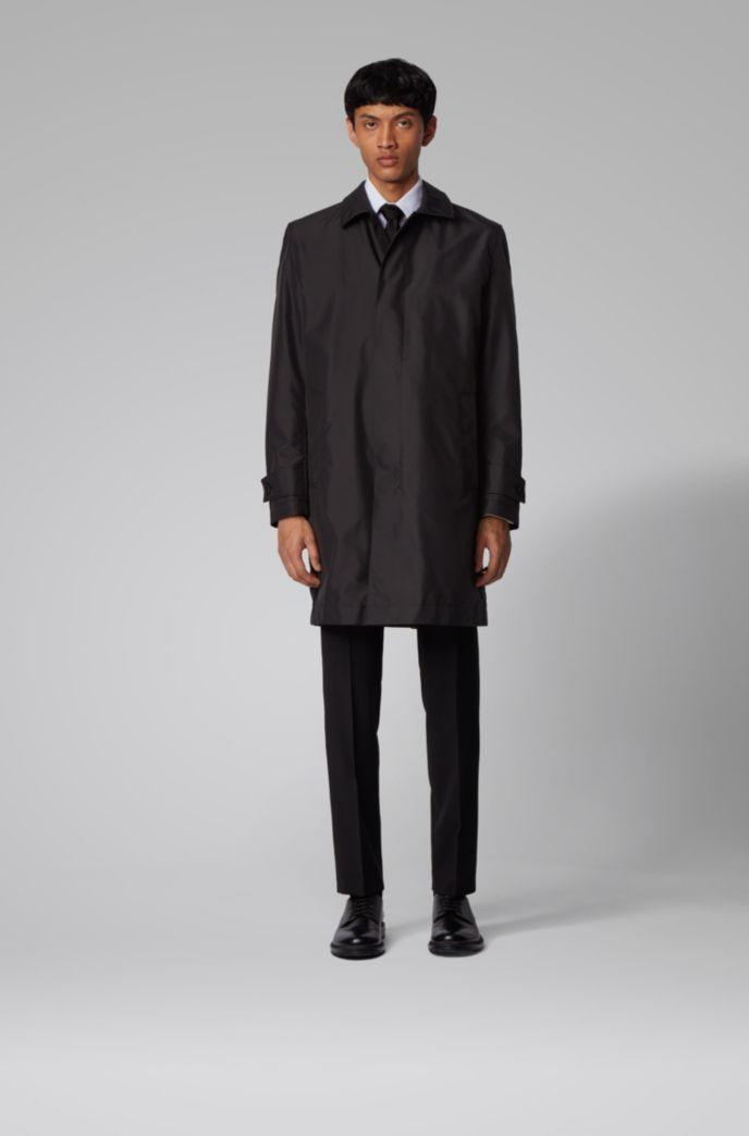 Packable car coat in water-repellent fabric