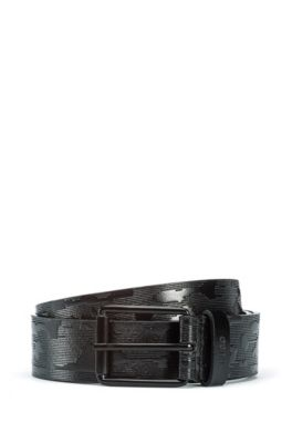 Cintura in pelle italiana con motivo camouflage goffrato, Nero