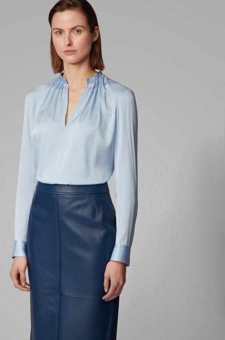 Regular-Fit Bluse aus Crêpe de Chine mit Stehkragen, Hellblau
