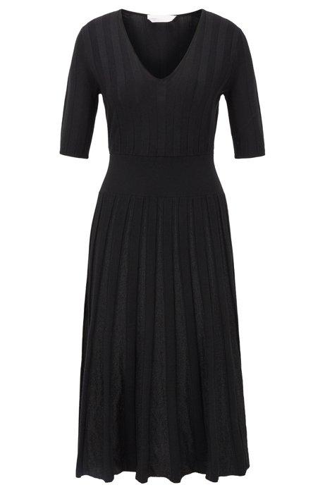 Robe à manches courtes avec jupe plissée brillante, Noir