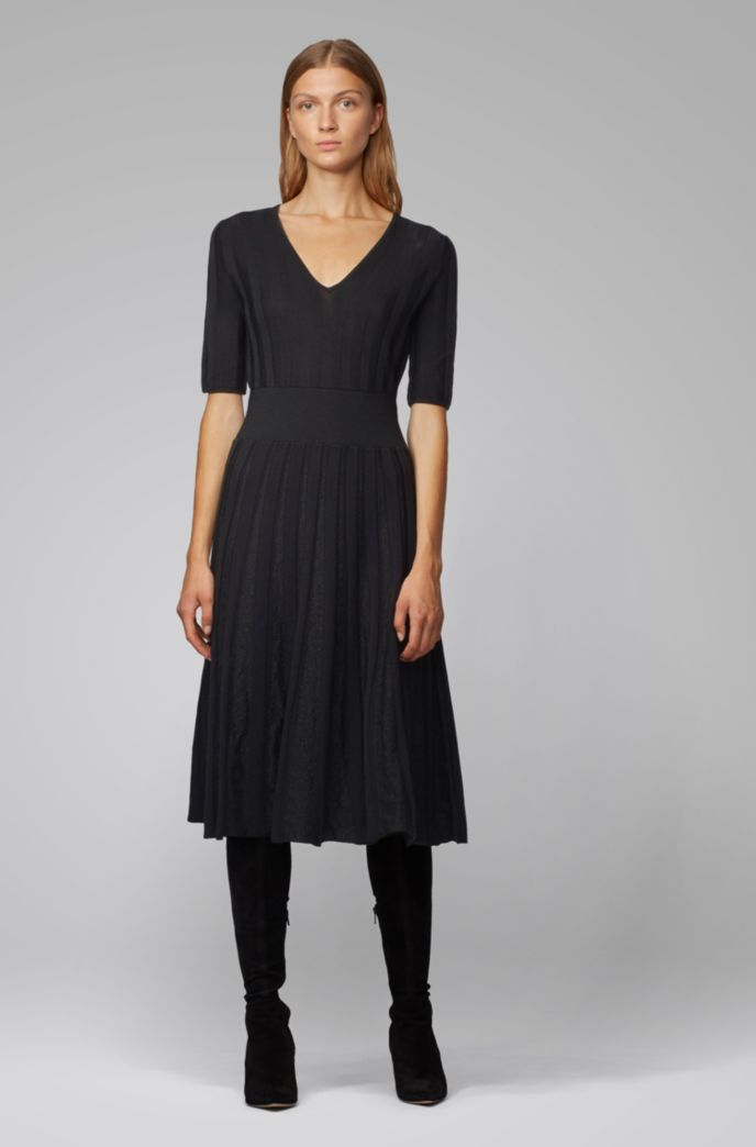Short-sleeved dress with sparkly pleated skirt