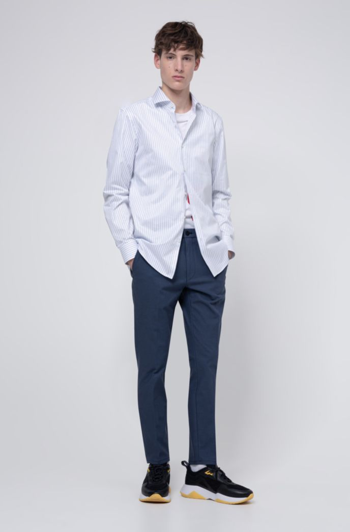 Slim-fit shirt in striped cotton with spread collar