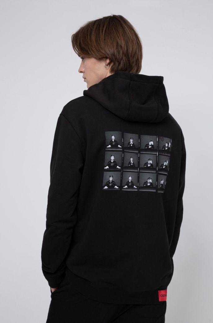 Sweat à capuche Relaxed Fit avec imprimé photo sur le thème de la collection