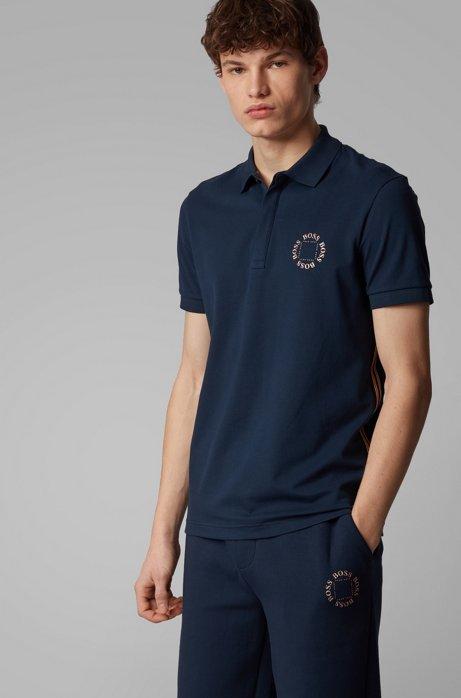Piqué-Poloshirt aus Stretch-Baumwolle mit mehrlagigem Metallic-Logo, Dunkelblau