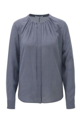 Kraagloze regular-fit blouse van zijde met monogramprint, Bedrukt