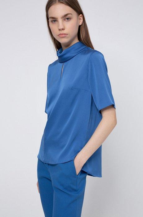Kurzarm-Top aus Stretch-Seide mit Schlitz vorne, Blau