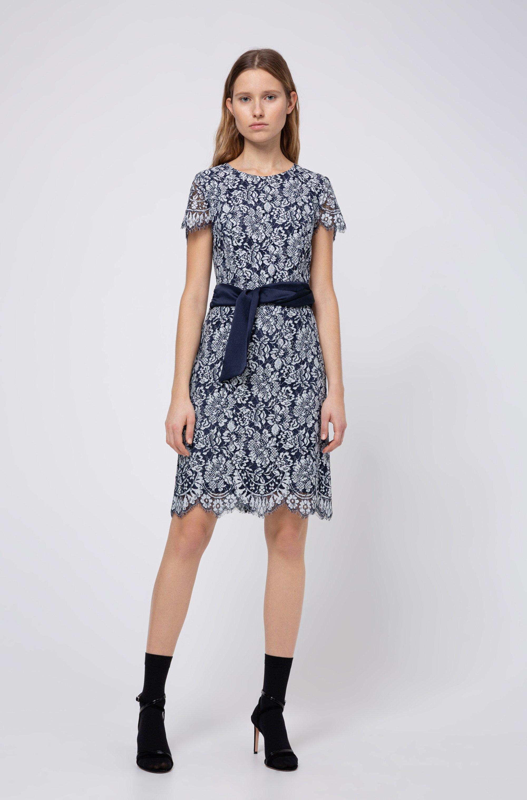 Scoop-neck lace dress with shiny belt