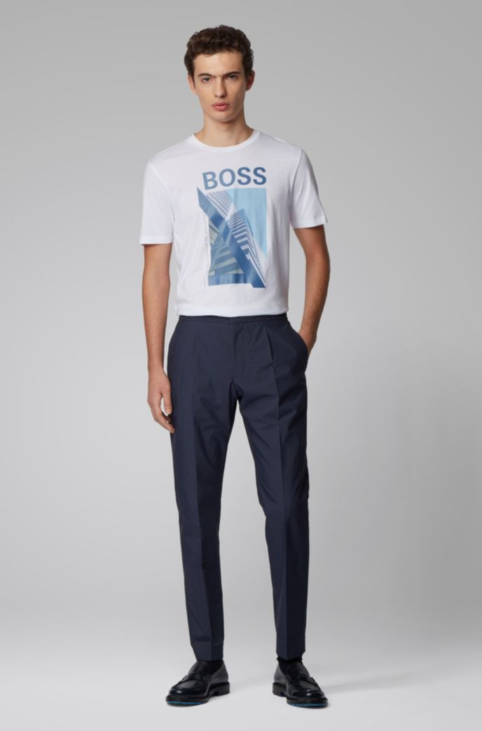 T-shirt Slim Fit en coton orné du motif artistique de la nouvelle saison