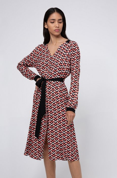 Slim-fit jurk van crêpe georgette met jaren 70-print, Bedrukt