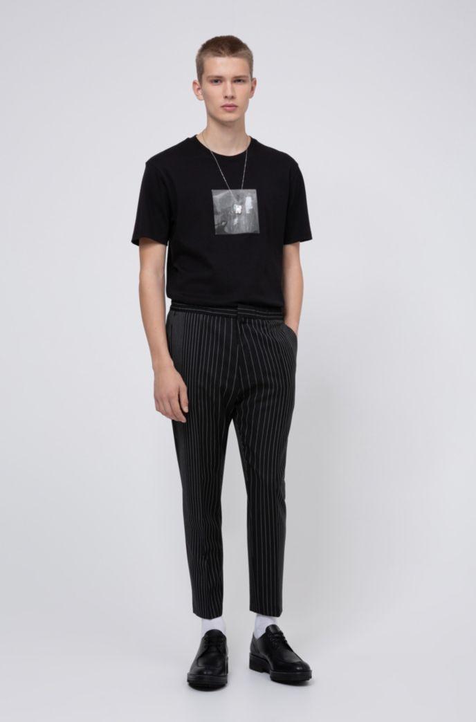 T-Shirt mit Lentikular-Print im Stil der Kollektion