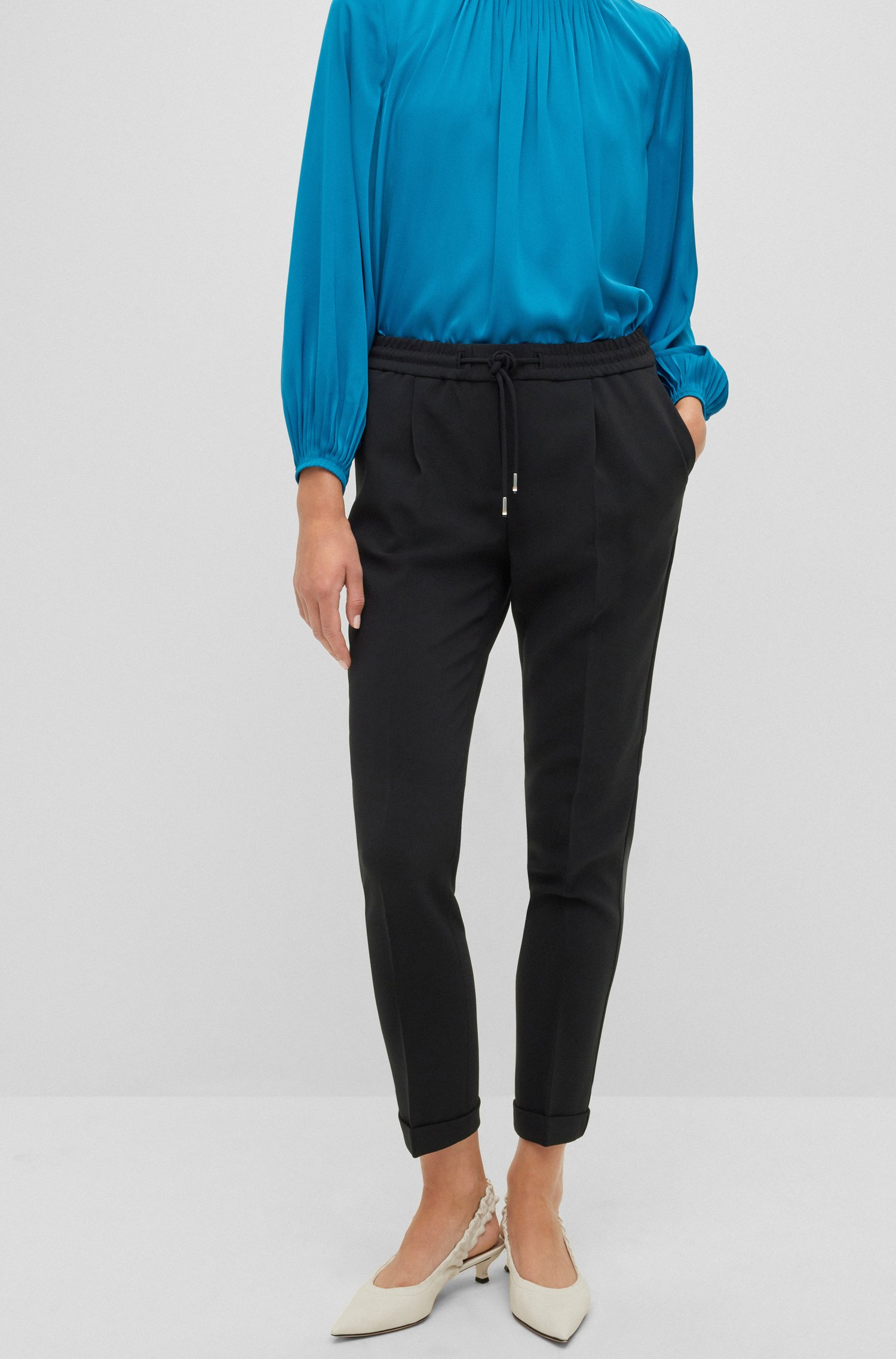 Regular-Fit Hose aus japanischem Krepp mit Tunnelzugbund, Schwarz