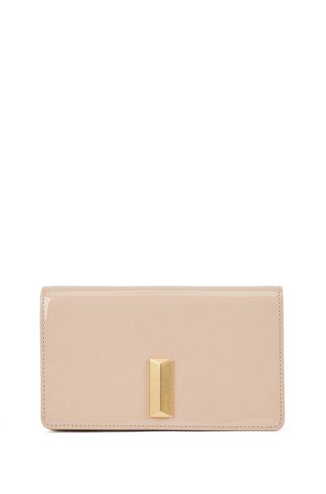 Mini Bag aus Lackleder mit abnehmbarem Kettenriemen, Hellbeige
