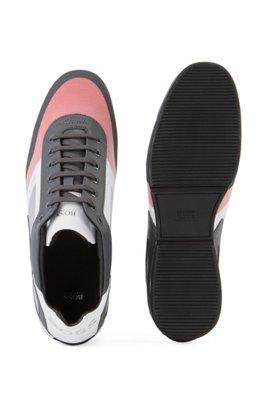 Sneakers mit Mesh-Elementen und reflektierenden Details, Grau