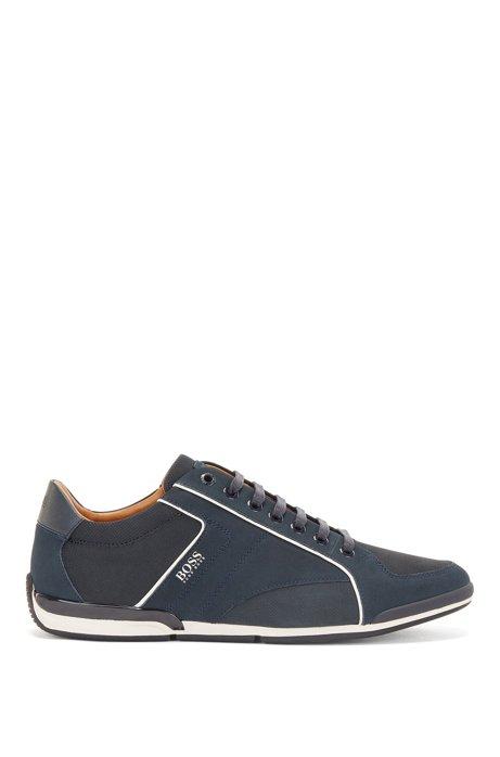Sneakers aus verschiedenen Ledern mit perforierten Details, Dunkelblau