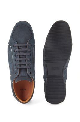 Low-top trainers in mixed leather with perforated panels, Dark Blue