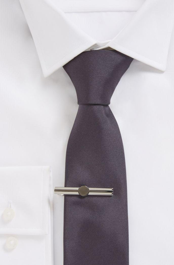 Épingle à cravate en laiton avec détail en métal noir