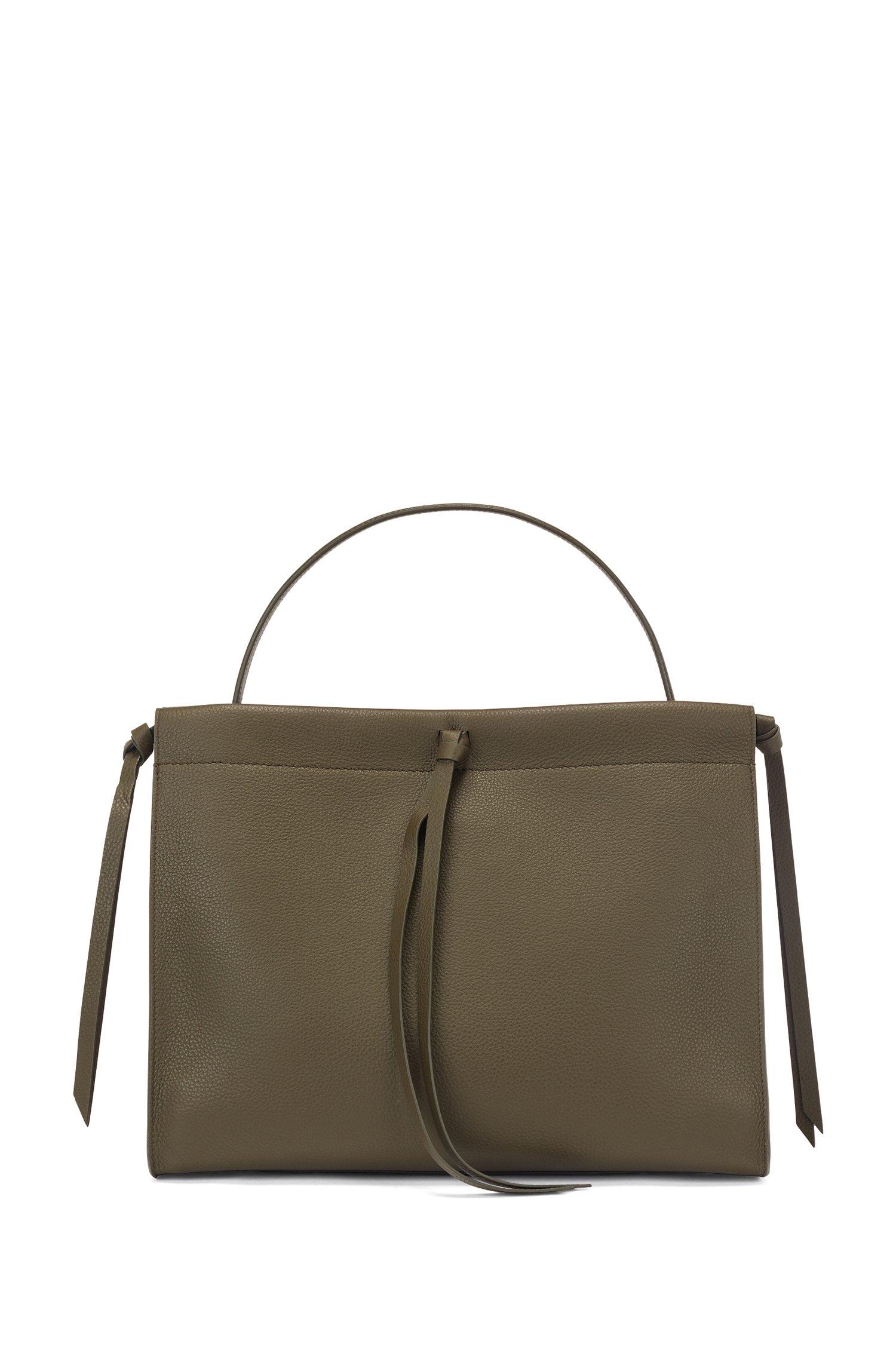 Tote bag in Italian leather with tassel detail, Dark Green
