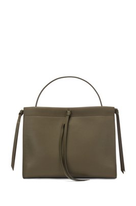 Tote bag in Italian leather with tassel detail, Dark Green