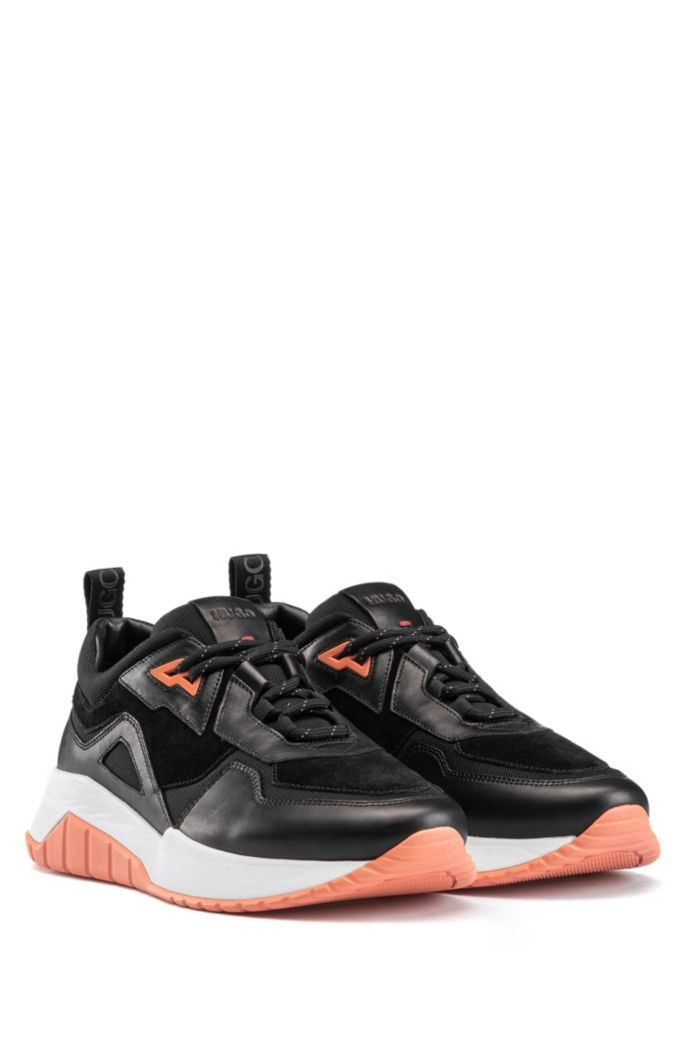 Sneakers im Laufschuh-Stil aus Nappaleder mit Mesh-Details