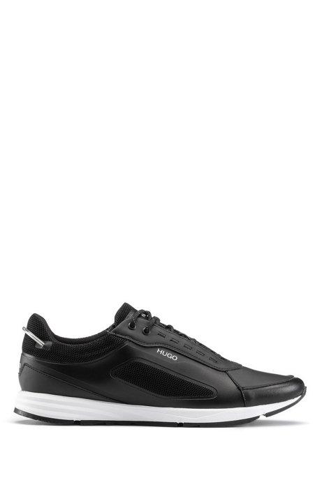 Sneakers im Laufschuh-Stil mit changierenden Elementen, Schwarz