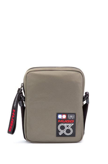 Reporter-Tasche aus Gabardine mit Logo der Kollektion, Dunkelgrün