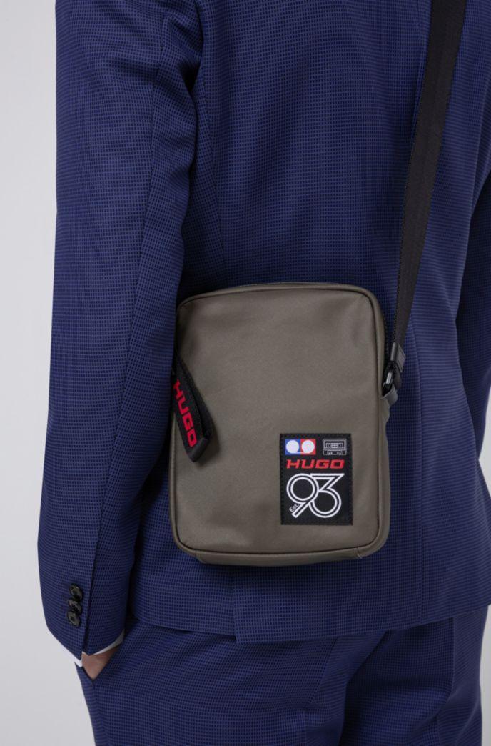 Reporter-Tasche aus Gabardine mit Logo der Kollektion