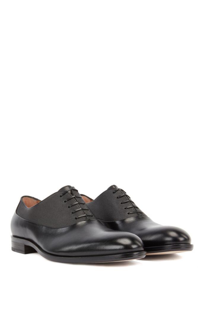 In Italien gefertigte Oxford-Schuhe aus Leder mit geprägtem Detail