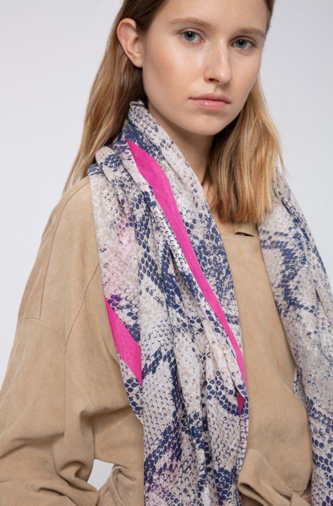 Foulard en coton et soie à motif peau de serpent
