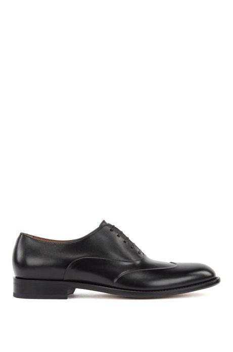 Chaussures Oxford en cuir poli à bout golf relevé, Noir