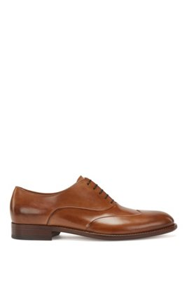 Polished leather Oxford shoes with raised wing-tip detail, Khaki