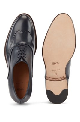 Polished leather Oxford shoes with raised wing-tip detail, Dark Blue
