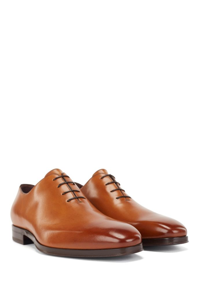 Italian-made Oxford shoes in polished leather