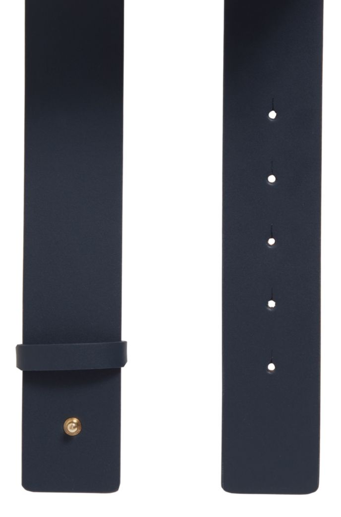 Italian-made belt in leather with feature buckle