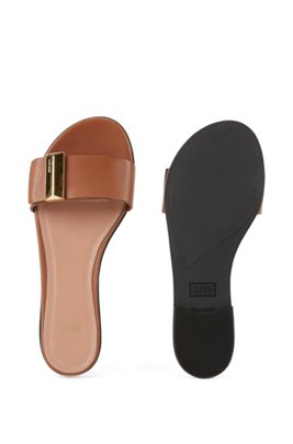 Calf-leather slides with pyramid-shaped metal trim, Light Brown