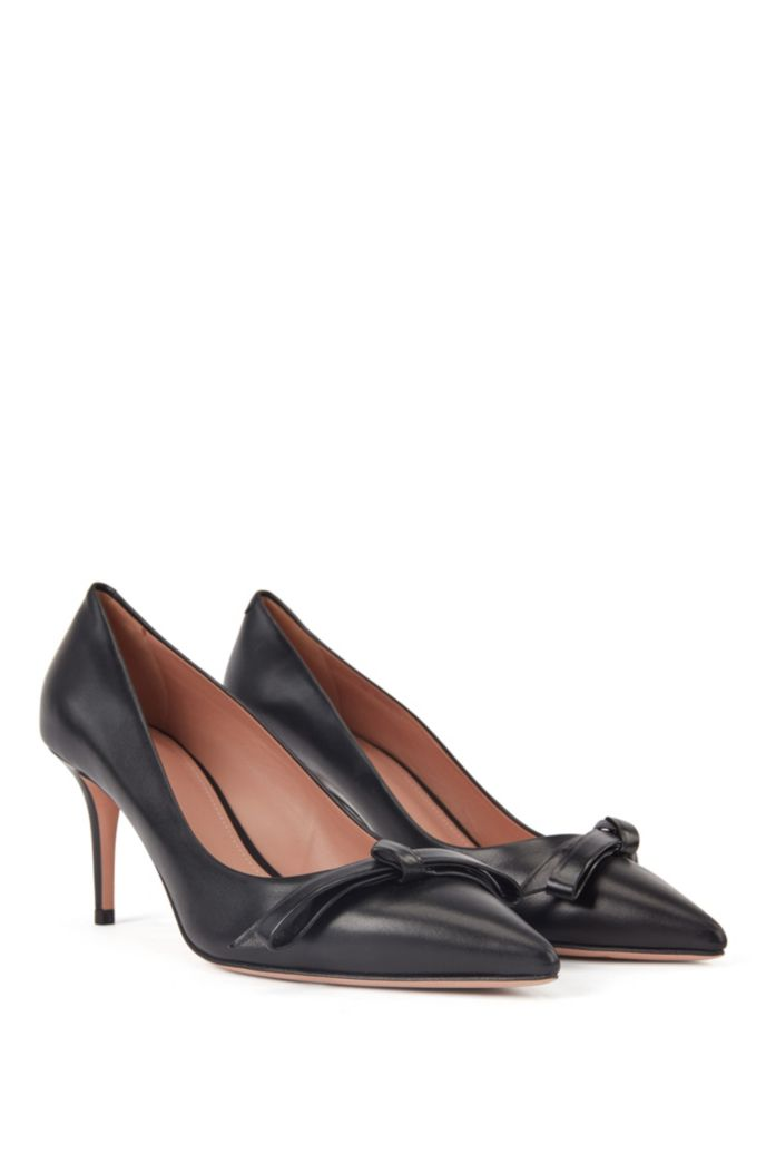 Heeled pumps in Italian leather with bow detail