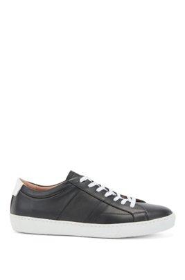 Sneakers aus italienischem Leder mit Monogramm-Detail, Schwarz