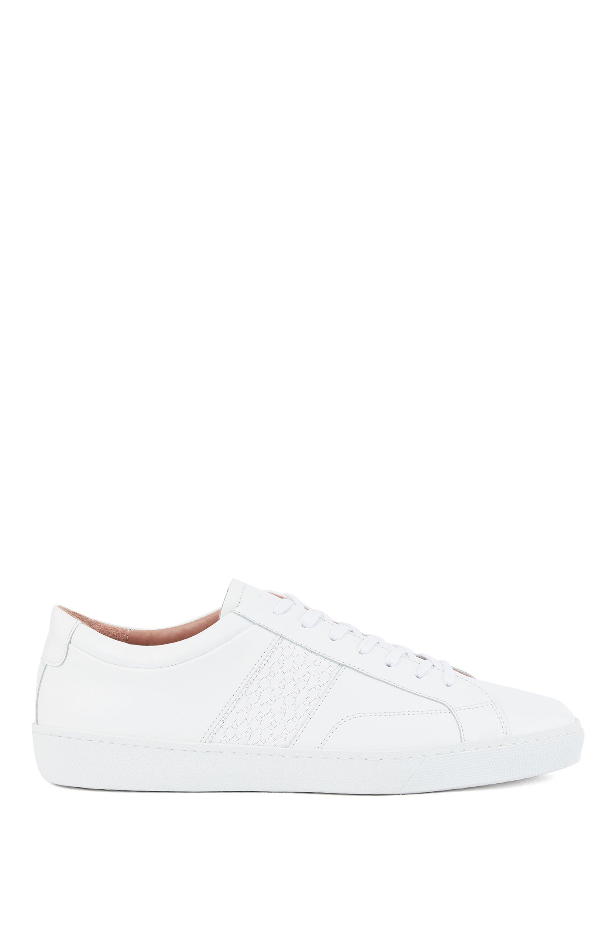 Sneakers basse in pelle italiana con pannello con monogramma, Bianco