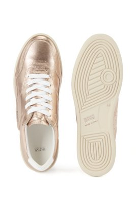 Low-profile trainers in laminated leather, Gold