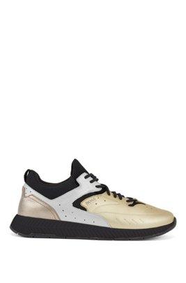Sneakers im Laufschuh-Stil aus Leder in Metallic-Optik, Gold
