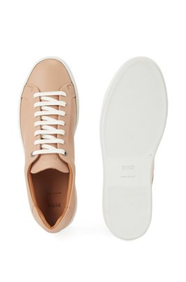 Italian-made tennis-style trainers in Olivenleder®, Light Beige