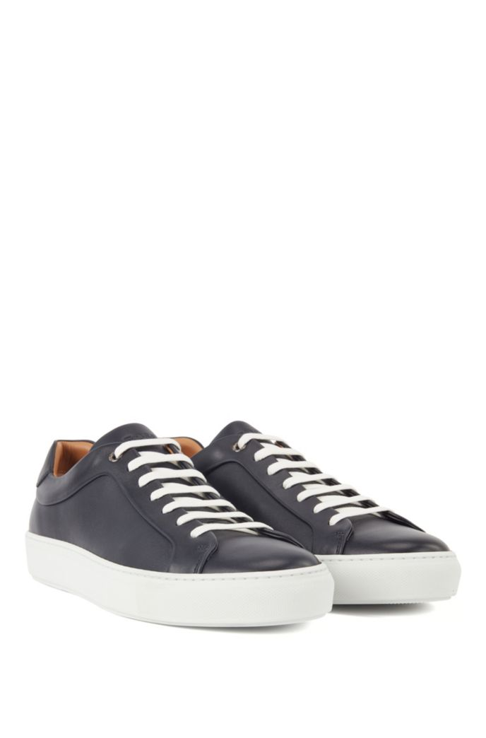 Italian-made tennis-style trainers in Olivenleder®