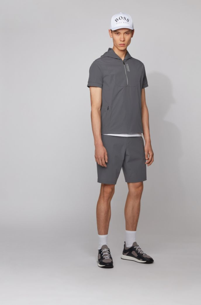 Slim-fit shorts with tonal fabric blocking
