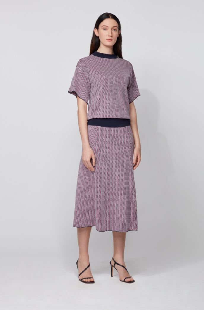 Geometric-patterned skirt in knitted jacquard with contrast waistband