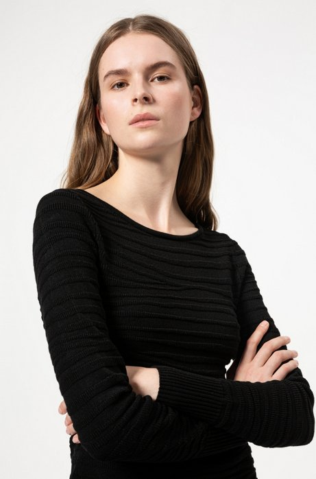 Slim-fit knitted top with zebra structure, Black