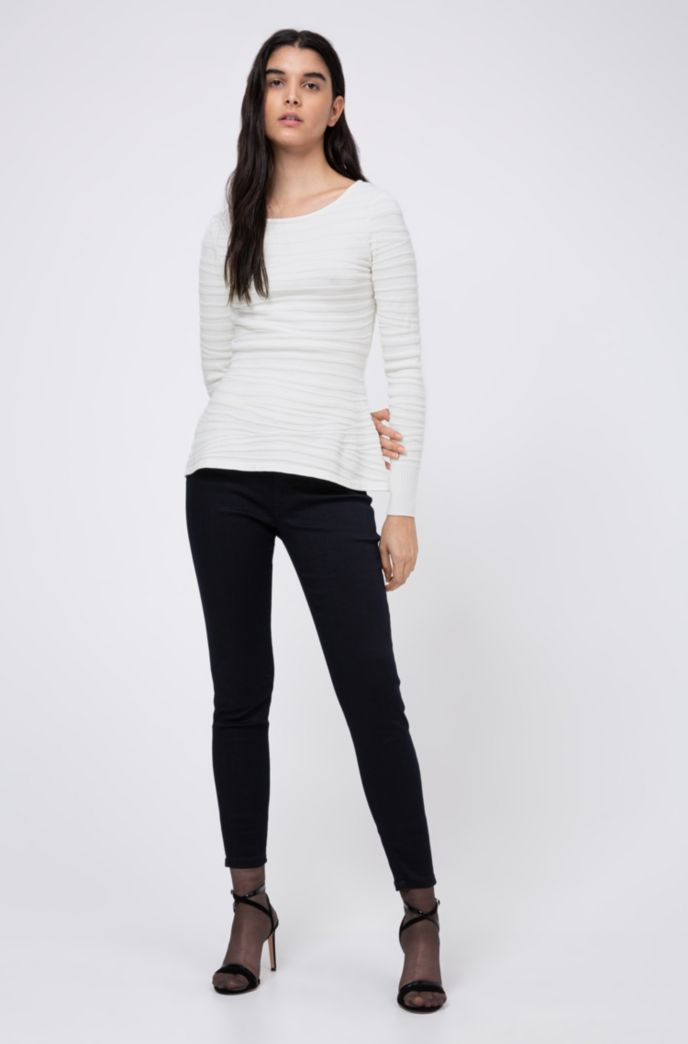 Slim-fit knitted top with zebra structure