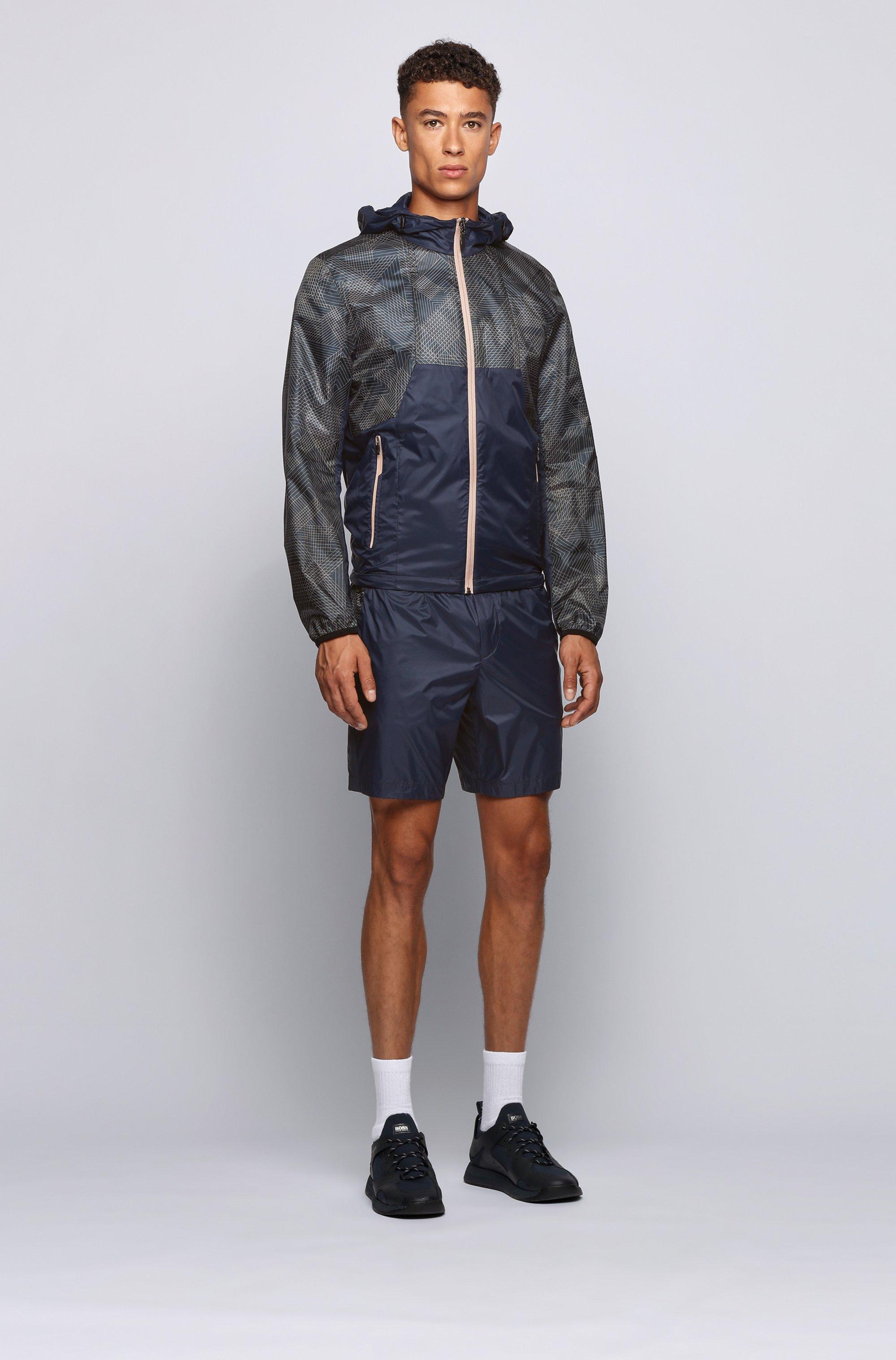 Regular-Fit Shorts aus leichtem Funktionsmaterial mit tonalen Logo-Einsatz